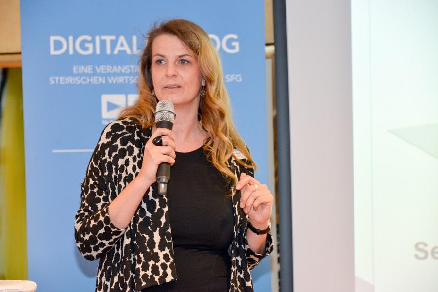 Angelika Weber